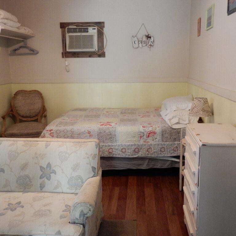 Cabin 2 bedroom/living room